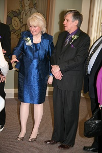 Christine Lindsay & hubby nowding